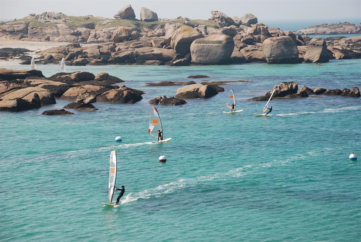 Plage et sports nautiques tourisme tr beurden c tes d for Camping perros guirec piscine